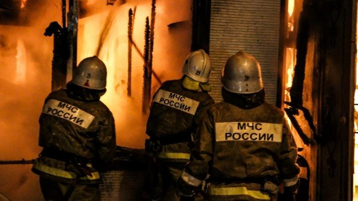 Волгоградец погиб при обрушении горящего дома