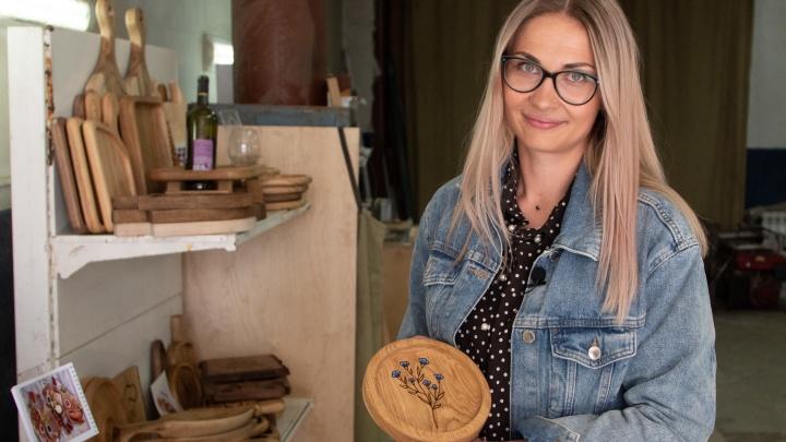 Маленький, но гордый бизнес: деревянная посуда и доски для кухни прославили челябинку на всю страну