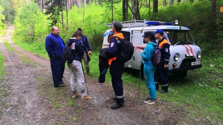 Две девушки потерялись на горе Борус в Шушенском районе и провели ночь под открытым небом