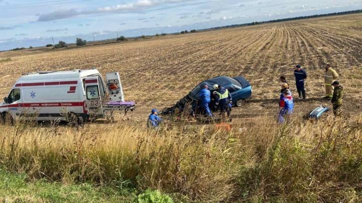 В Самарской области ВАЗ-21101 вылетел в кювет — погибла пассажирка