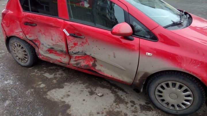 В Шадринске в иномарку въехал внедорожник: пострадал шестилетний мальчик