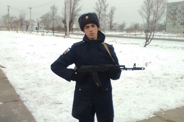 Александр Татаренко сначала служил во Владивостоке, а в марте его перевели в Сибирцево, где начались проблемы