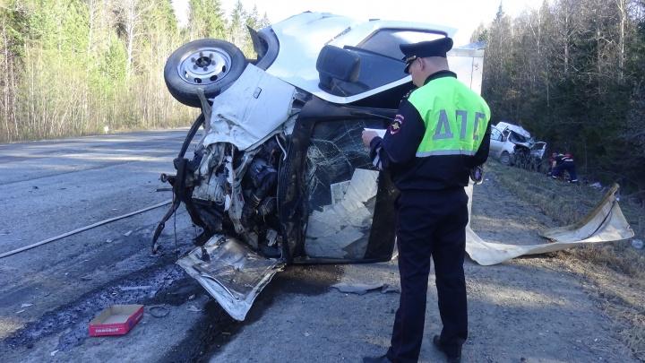 На Серовском тракте водитель грузовика устроил массовое ДТП, в котором погиб человек