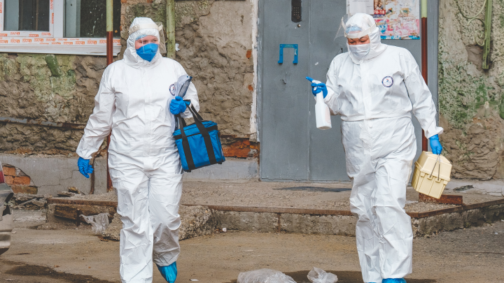 Пермские участковые педиатры посещают семьи, где болеют коронавирусом. Они боятся, что не получат денег за контакты