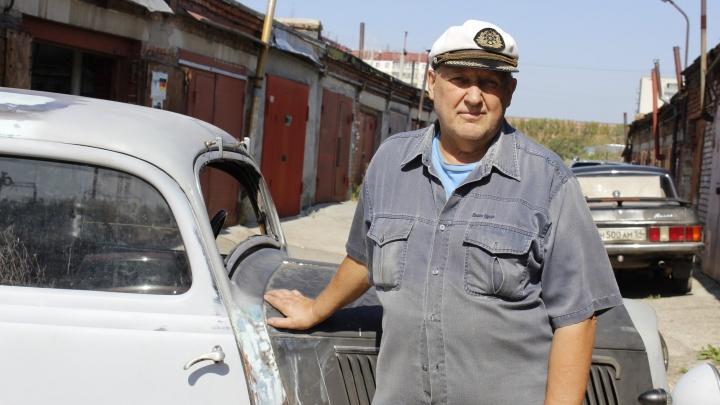 Новосибирский дедушка в одиночку восстанавливает довоенный германский «Мерседес» 1938 года — смотрим на машину