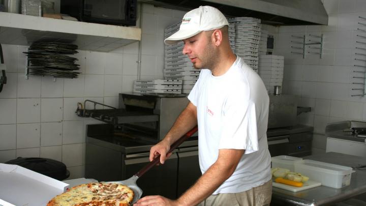Еда навынос и букет для учителя: какой бизнес открывали самарцы в сентябре