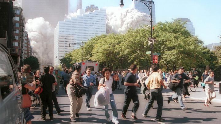 19 лет назад террористы уничтожили башни-близнецы в США. Публикуем фото и видео, которые потрясли мир