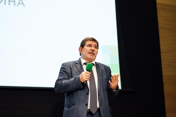 Александр Чернявский исполнял обязанности директораНМИЦ им. ак. Е.Н. Мешалкина с мая 2019 года