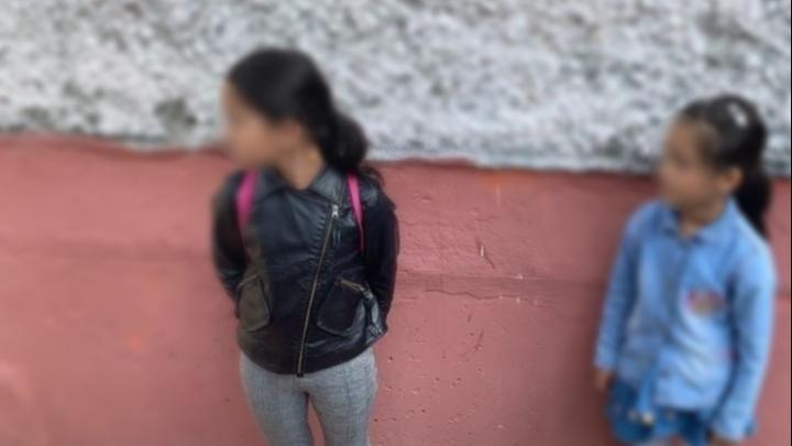 Нашлись две сестры, которые катались на самокатах — рассказываем, как и где