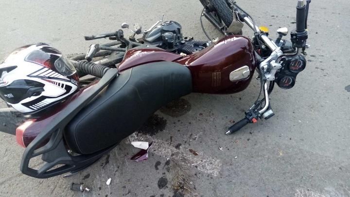 В аварии под Заводоуковском пострадали два брата-подростка на мотоцикле