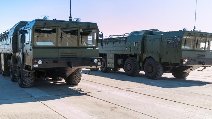 В Самарскую область пригнали ракетный комплекс «Искандер» и еще 50 образцов военной техники