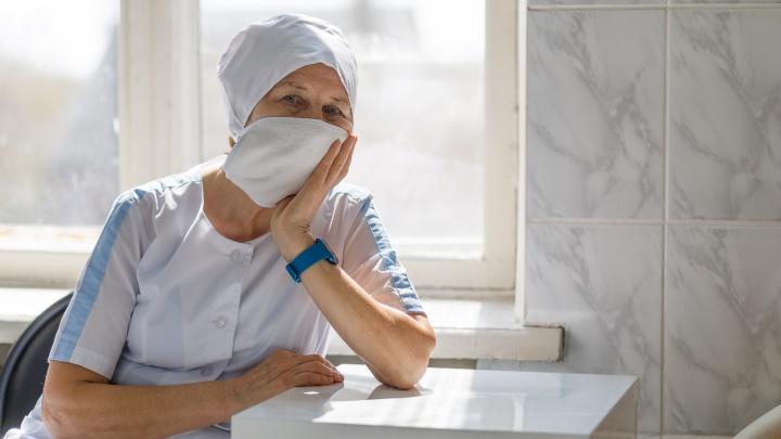 «Помогите нам, и останетесь живы»: врачи Волгограда просят всех не покидать дома