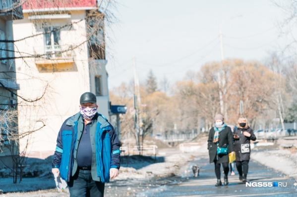 С домашнего карантина в Омске сняли почти восемь тысяч человек. При этом число заразившихся может вырасти