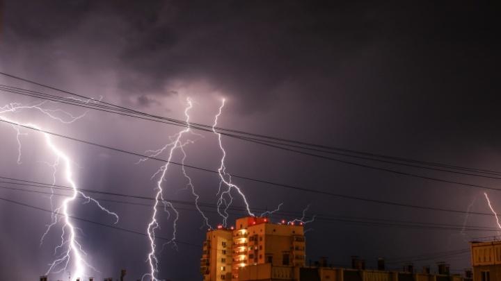 Челябинскую область накроют сильный ветер, дожди, грозы и град