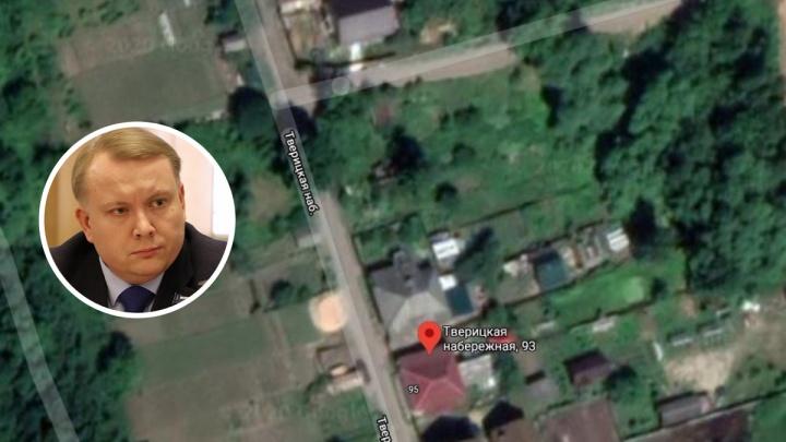 Игра в «земельки»: ярославский депутат оформил себе бесплатный участок на Тверицкой набережной