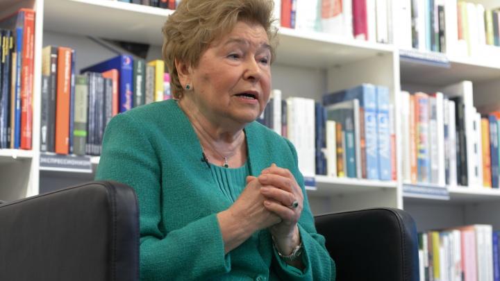 «Никогда не оглядывался на должности»: Наина Ельцина рассказала о встречах с Михаилом Жванецким