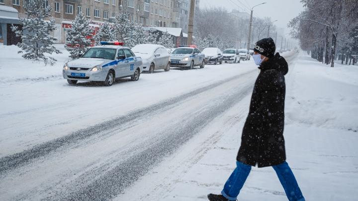 Жители 19 территорий Кузбасса заболели коронавирусом. Рассказываем, где нашли новые случаи