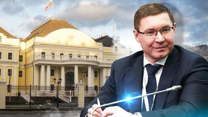 С канделябрами и 14 душевыми кабинками: как выглядит дворец нового полпреда УрФО Владимира Якушева