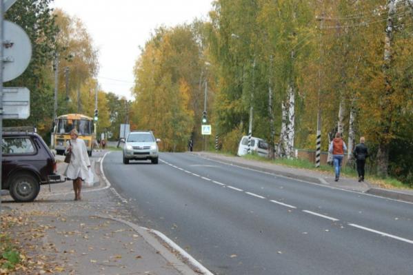 Согласно документу, в районе обещают отремонтировать более 20 тысяч квадратных метров дорог
