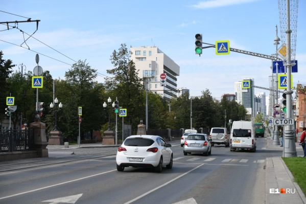 Дорожники изменили правила проезда перекрестка Ленина — Хохрякова