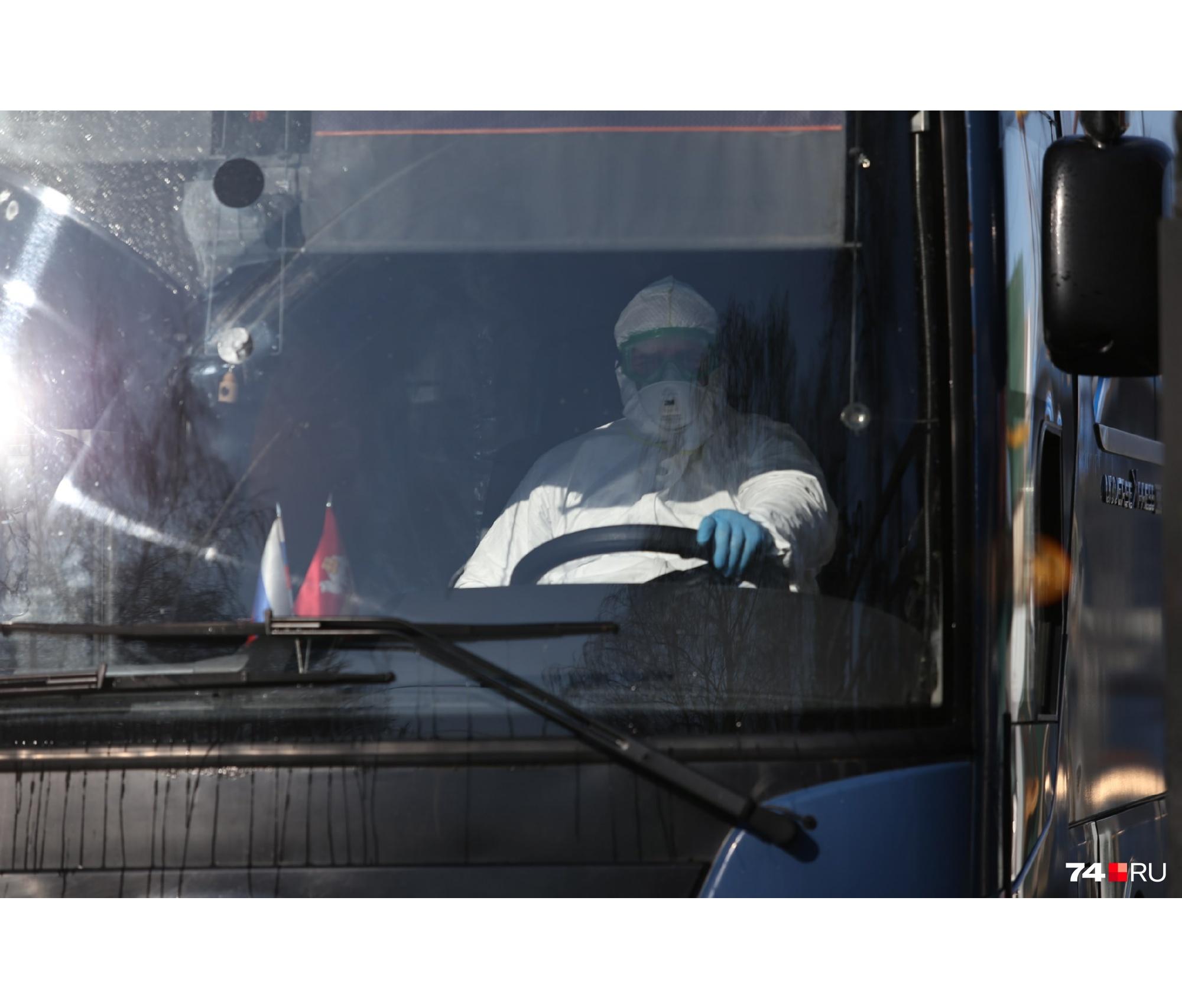 Меры предосторожности соблюдали даже водители