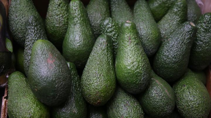 Из Китая ничего нет: в город завезли огромные авокадо и «золотые» киви
