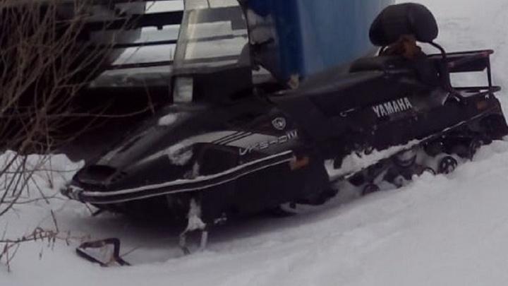 «Почерк один и тот же»: в Свердловской области разыскивают серийных угонщиков снегоходов