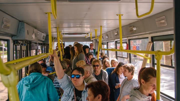 В Самаре ТЦ и общественный транспорт начали проверять на наличие COVID