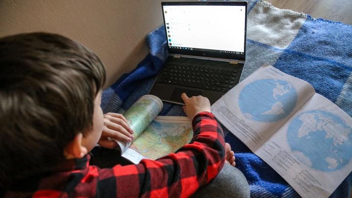 Власти Кузбасса переводят школы региона на дистанционку из-за коронавируса