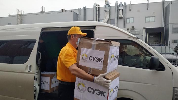СУЭК передала крупную партию средств защиты городской станции скорой помощи