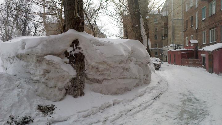 Директор МКУ «Калининский» пойдёт под суд: он два года платил за вывоз снега, который не убирали