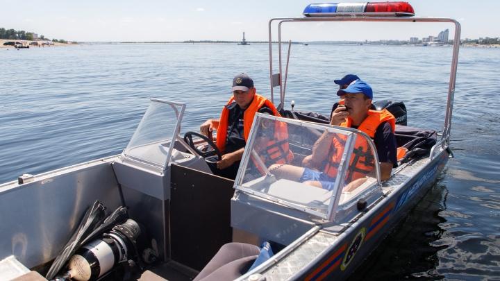 Пока нашли только лодку: в Волгограде продолжают поиски бесследно исчезнувшего мужчины