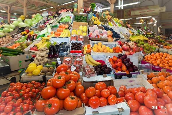 В марте огурцы в Курганской области стали дешевле на 3%, а помидоры — на 17%, говорят в отделении Центробанка