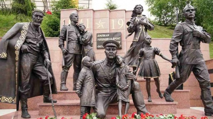 После критики власти исправили ошибки на памятнике солдатам в Уфе