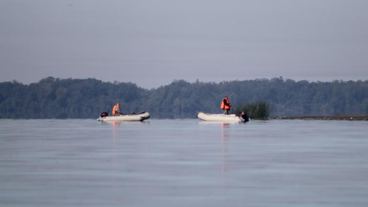 В Котласе спасли рыбака — его лодка перевернулась на середине реки