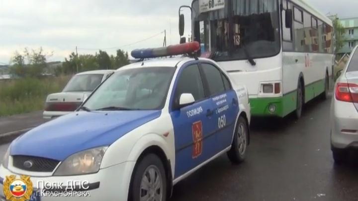 Инспекторы задержали водителя автобуса № 60. Он был лишен прав за пьяную езду