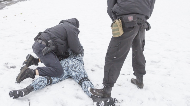 Жителя Коряжмы задержали за подозрения в телефонном терроризме