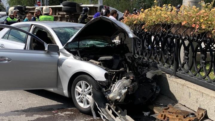 Водитель очень опытный, но сделать ничего не смог: перевозчик рассказал детали аварии с маршруткой