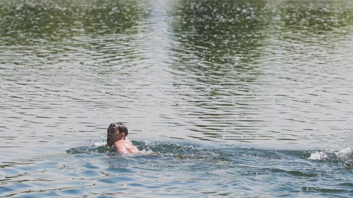 «Недалеко от берега, но глубоко»: незнакомец вытащил из Енисея тонущего мальчика (обновлено)
