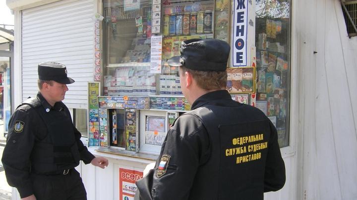В Волгограде неплательщицу алиментов посадили на полтора года за взятку приставу