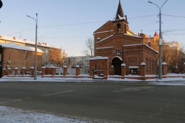 Авария произошла у тюменского костела