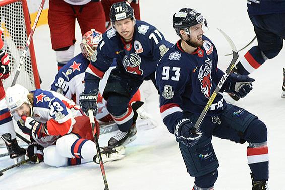 ХК «Торпедо» уступил ЦСКА в овертайме третьего матча плей-офф КХЛ