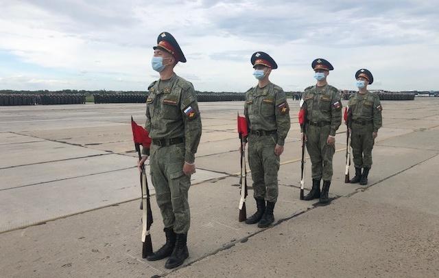 Все в масках: военные отрепетировали парад, который пройдет в Ростове
