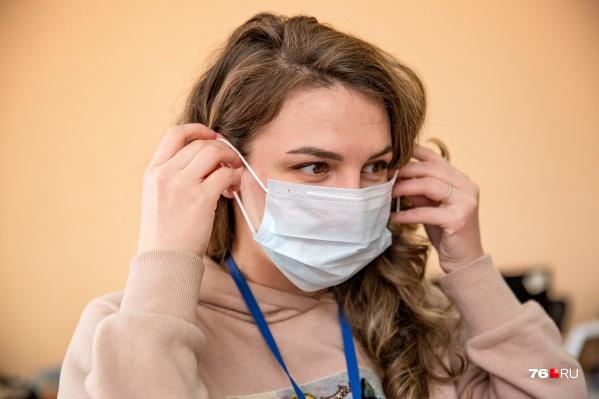 Все контактировавшие с заразившейся вирусом сидят дома