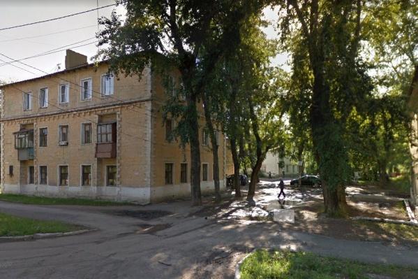 Квартал находится на выезде из города в сторону Копейска, недалеко от кузнечно-прессового завода