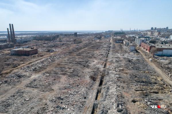Когда-то огромный завод сейчас практически стерт с лица земли