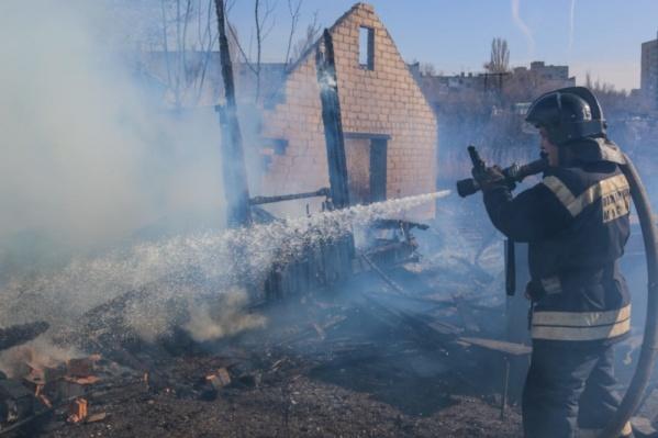 При пожаре погибли три человека