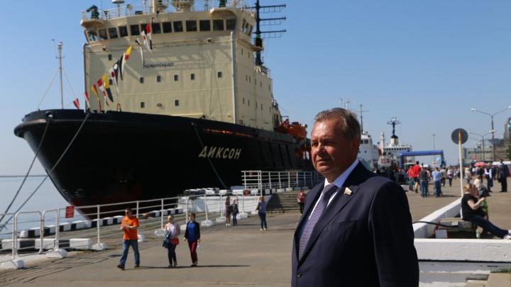 «Архангельск — город-донор»: сенатор Виктор Павленко — о том, почему бюджет мал и что с этим делать