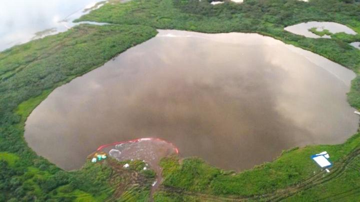 Керосин попал в озеро. На месте нового разлива топлива на Таймыре введён режим ЧС