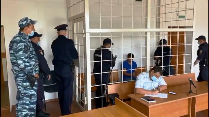 В Омске заключили под стражу мужчину, убившего таксиста из ревности